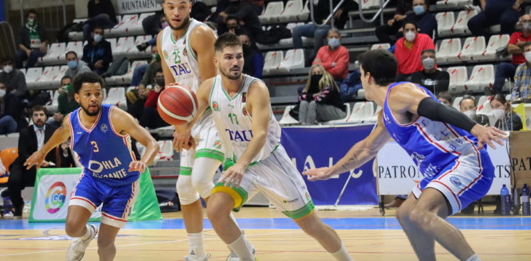 Oscar Alvarado TAU Castello baloncesto